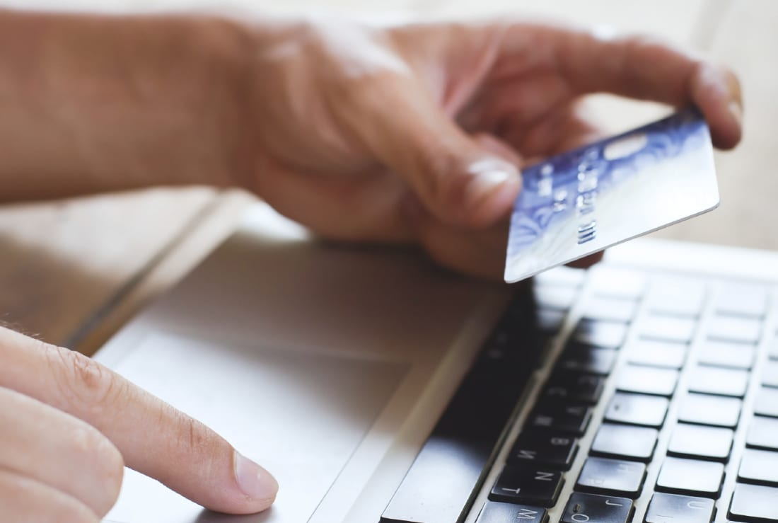 shopping in internet, pay online by credit card
